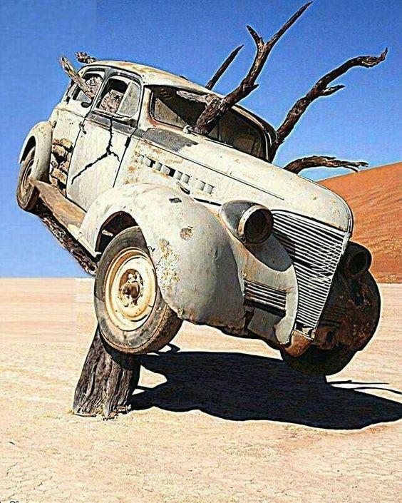 Seltsamkeiten und Verlassenheiten [12] Was Sie finden werden: ein altes Auto, du…