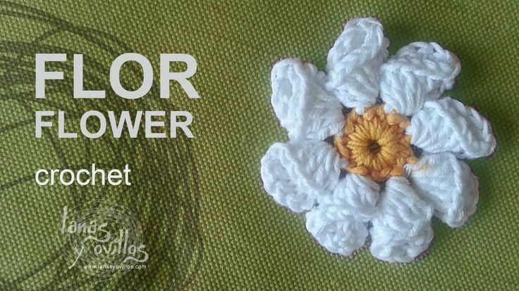 http://www.lanasyovillos.com Tutorial de cómo hacer un flor a crochet paso a paso en español. Encuentra este patrón y muchos más en http://www.lanasyovillos.com