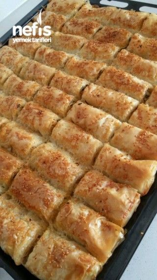 Baklavalık Yufkadan Ispanaklı Peynirli Sodalı Börek