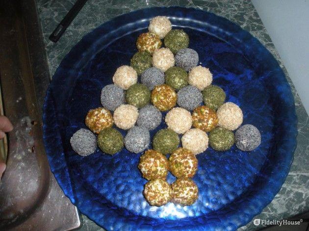 Antipasti disposti ad albero di Natale - Fidelity Foto