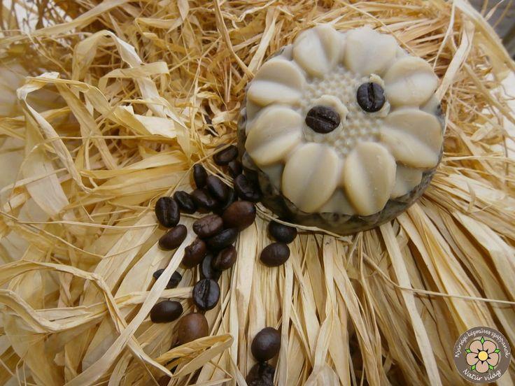Dörzsis mézes cappucino virág formában Frissen őrölt kávéőrleménnyel és rengeteg házi kecsketejjel készült