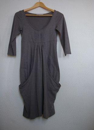 A vendre sur #vintedfrance ! http://www.vinted.fr/mode-femmes/robes-casual/14917246-robe-manches-34-forme-legerement-boule
