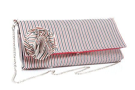 Perfect clutch for summer time!