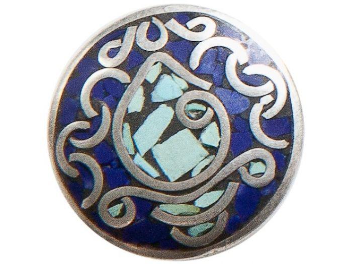 NOOSA chunk Pure sankha - blue  De sankha -schelp van de overwinning- is van grote betekenis in Oosterse culturen. Het blazen op deze schelp verdrijft negatieve energie en doet mensen ontwaken uit hun slaap van onwetendheid.