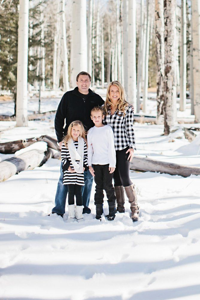 black and white clothes in family pictures plus over 100 ideas in other colors