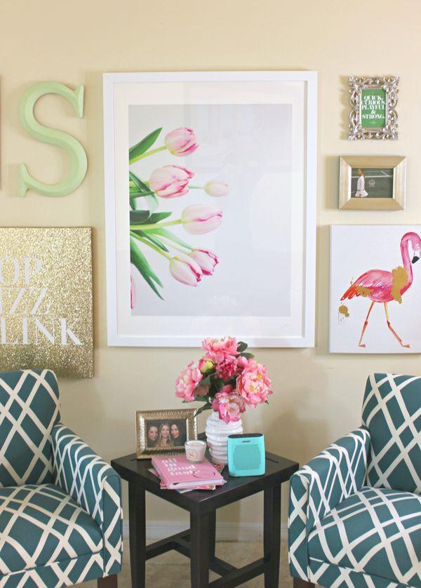 LOVE this tulip photograph!