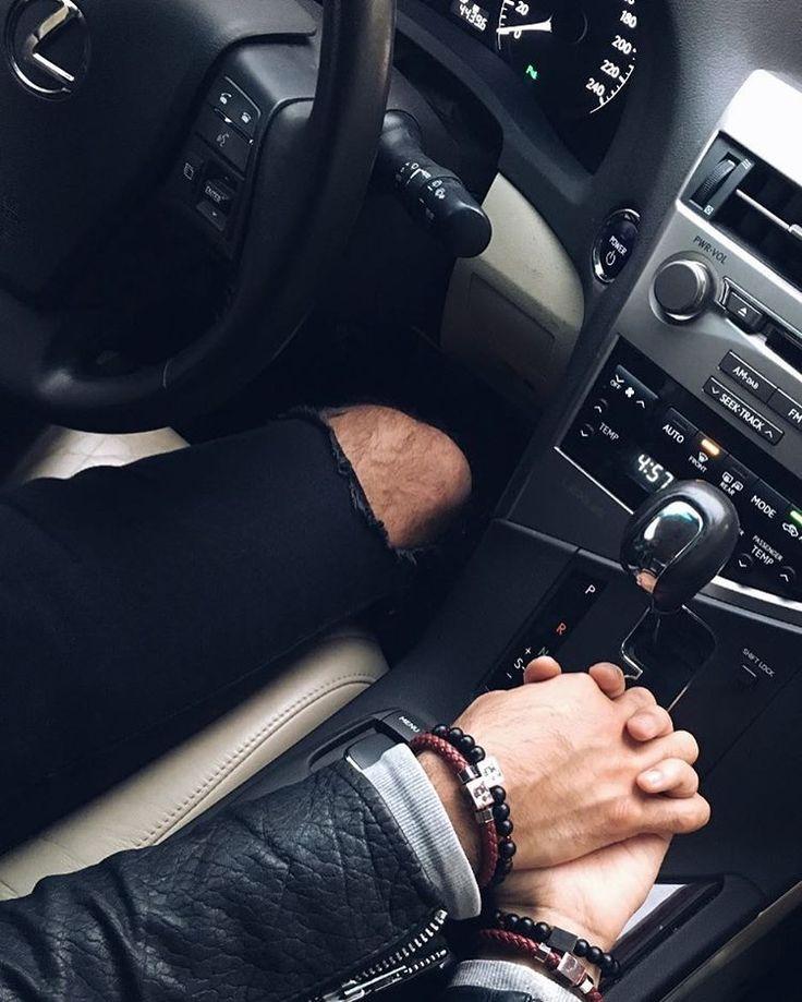 Картинки рук в машине