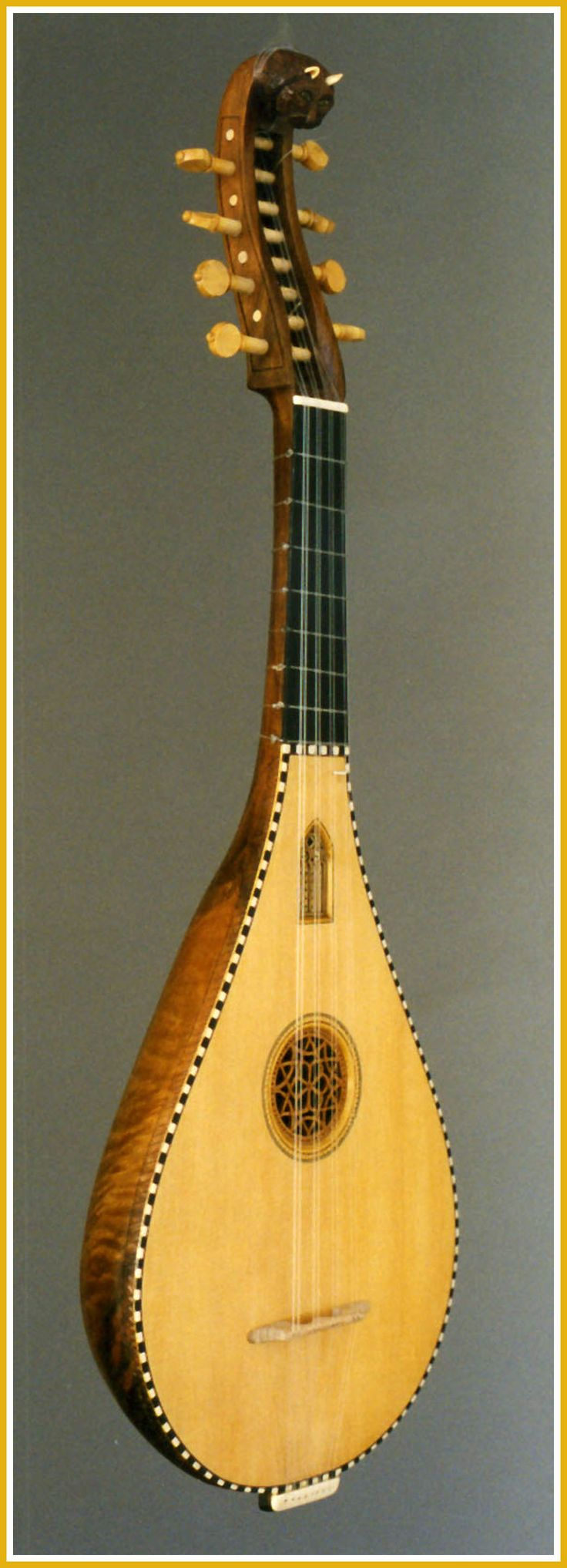 Guitarra Medieval frente
