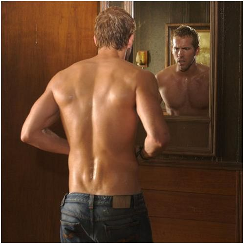 How low can those jeans go, Mr. Ryan Reynolds? And Im not talkin bout the jeans.....owwlala