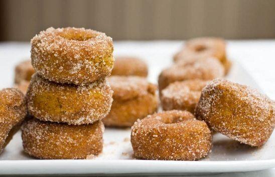 Mini Cinnamon Sugar Pumpkin Spiced Doughnuts / Recipe