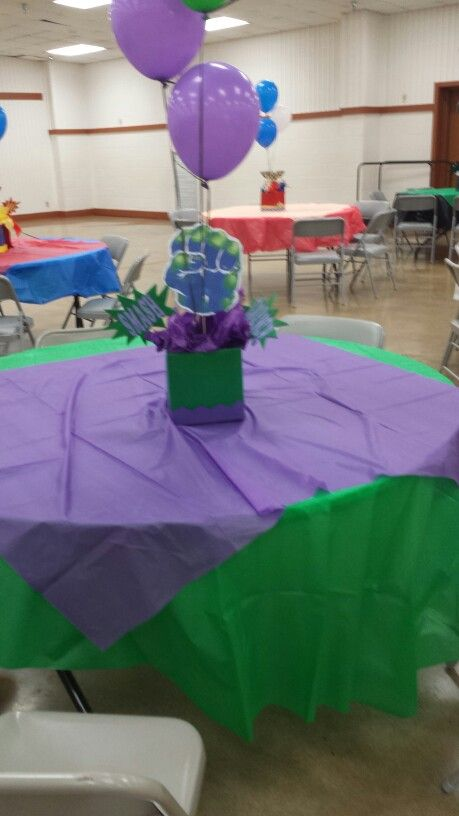 Hulk table and centerpiece