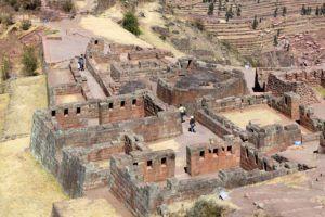 Peru-Pisac-ruins-temple-ceremonial-area