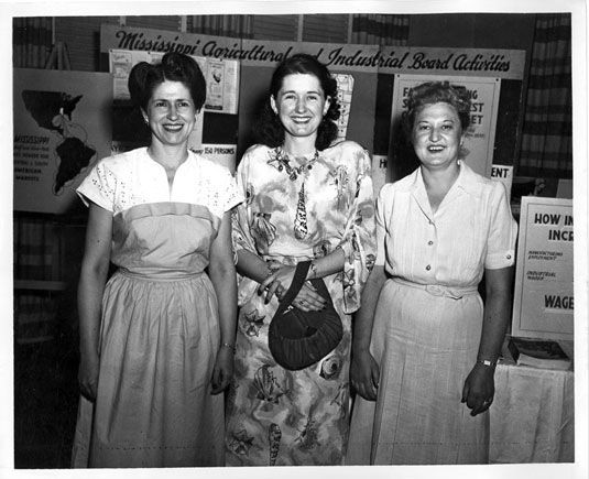 Officers of the Federation of Mississippi Press Women, organized in 1947. Left to right: Mary Dawson Cain, Summit Sun; Hazel Brannon, Durant News and Lexington Advertiser; and Lois Anderson, Ripley Sentinel. 1948 photograph from the Mississippi Press Association Records, Special Collections Department, Mitchell Memorial Library, Mississippi State University. #vintage #1940s #women #writers
