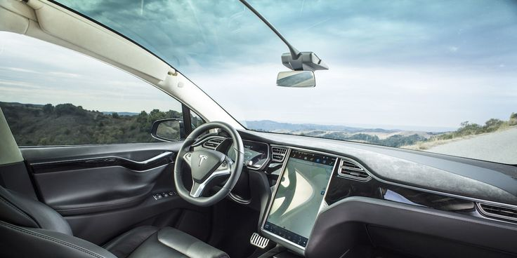 Tesla Owner Says It'll Cost Him $2300 to Replace Model X Windshield