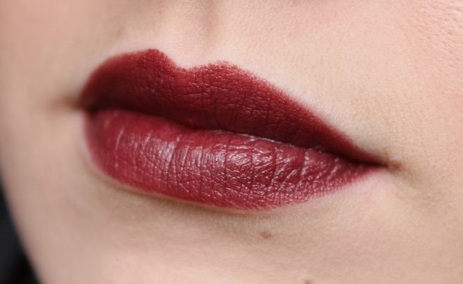 Chanel Rouge Allure Luminous Intense Lip Colour #109 Rouge Noir