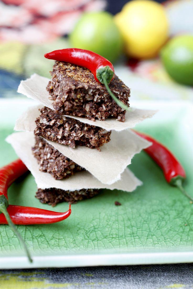 Chocolate chili brownies/Suklaiset chilileivokset
