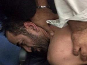 Photos de l'individu violent à bord du vol Alger-Paris d'Air Méditerranée !!! • Hellocoton.fr