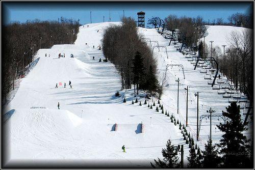 Station Le Relais au Lac Beauport www.skirelais.com/le-relais-ski-snow-services.php?id=80 skis Mon petit coin de bonheur