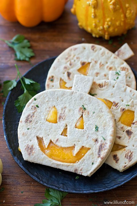 36 Wickedly Good Halloween Appetizers to Get Your Party Started - pinterest halloween food ideas