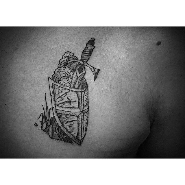 Etching-Shield-and-Sword-tattoo-by-Jimmy-Memento.jpg 640×640 pixels