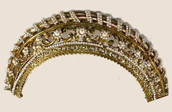 Diadem comb top from the French empire period
