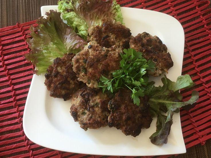 Fleischlaibchen  Ein Küchenklassiker, den fast jeder kennt und auch fast jedem schmeckt!  Egal ob warm mit Kartoffelsalat oder kalt in der Semmel am nächsten Morgen!  Rezept findet ihr im Link!