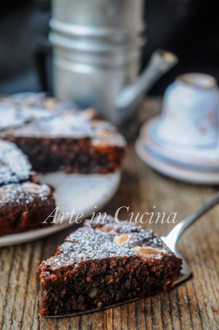 Torta caprese al caffè, ricetta dolce veloce, dolce da dessert, ricetta napoletana facile senza farina, ottima per i celiaci torta alle mandorle e cioccolato