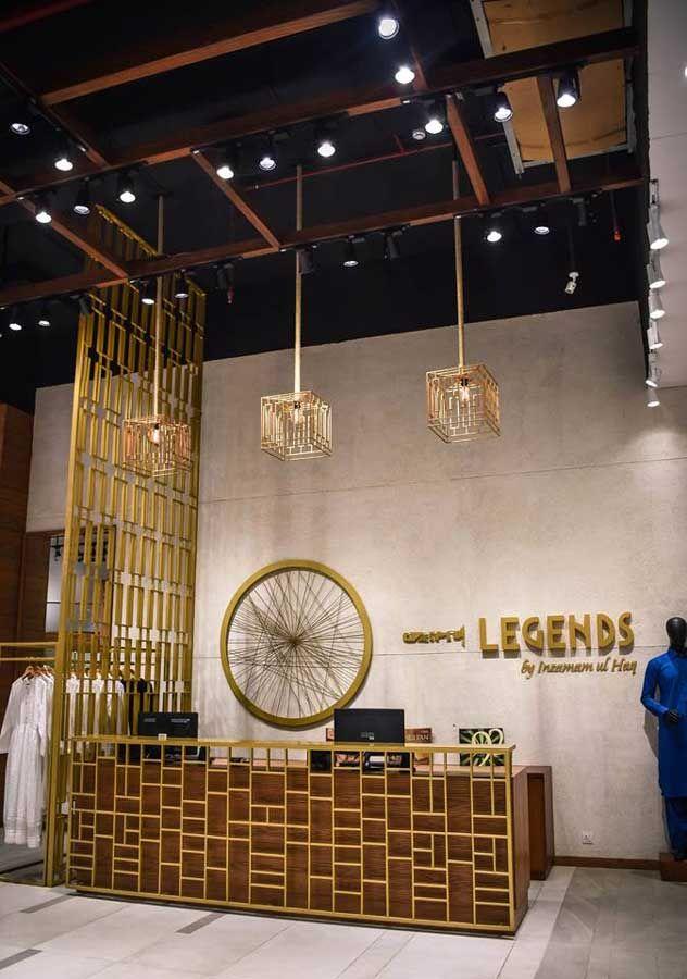 Retail Design Legends By Inzamam Ul Haq Designed By Fatima Israr Lucky One Mall Karachi Pakistan Retail Design Reception Counter Design Design