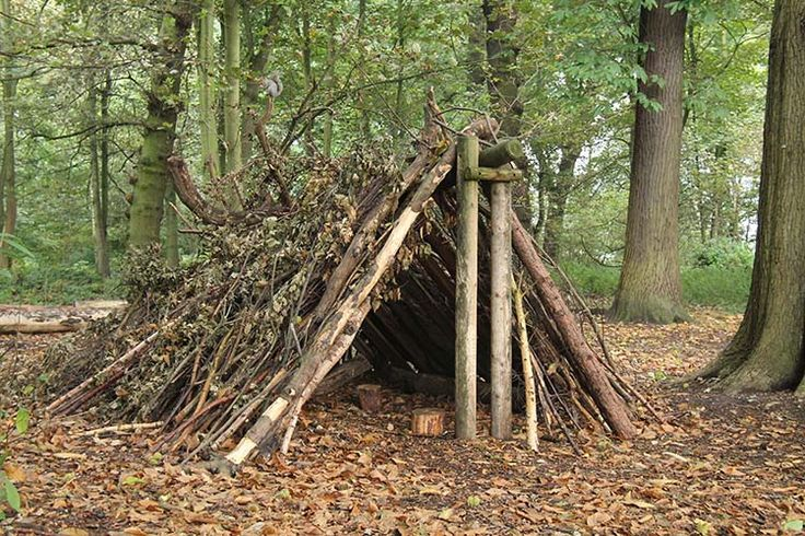 Overnight Bushcraft Camp | Build a Bushcraft Shelter the Right Way | Outdoor Survival Skills And Self Sufficiency by Survival Life at  http://survivallife.com/overnight-bushcraft-camp/