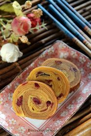 I baked Lapis Cranberry Roll on Sunday. It's less time consuming to bake this than the regular lapis..... there're just five layers, les...
