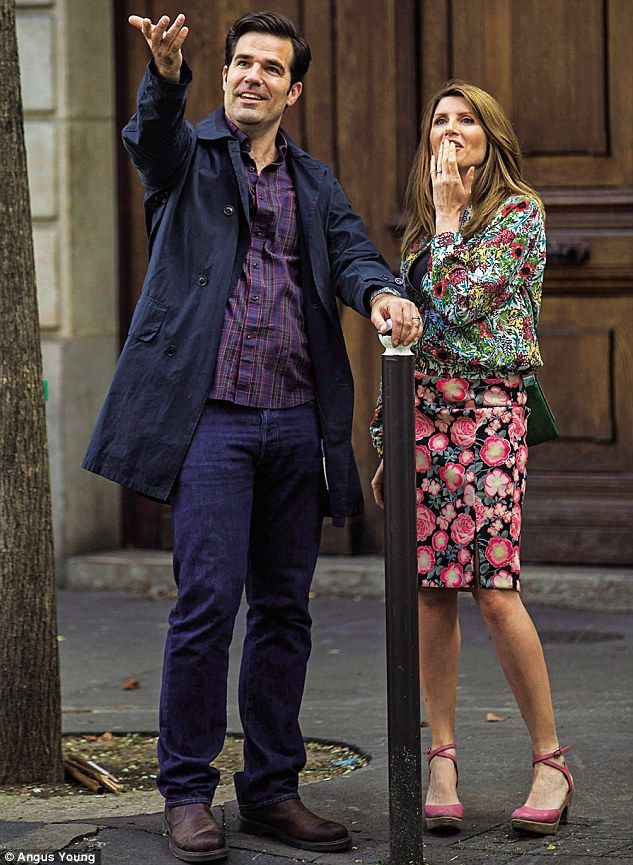 Catastrophe is written by Sharon Horgan and Rob Delaney, who star as a couple named Sharon and Rob, and who are now married and have a newborn baby daughter