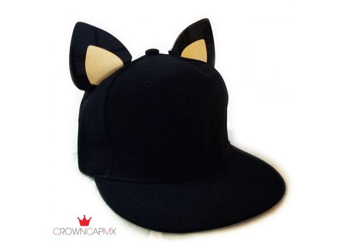 9ce0a366c2d30 Gorra ajustable con orejas de gato de acrílico. Las orejas pueden cambiar  de color