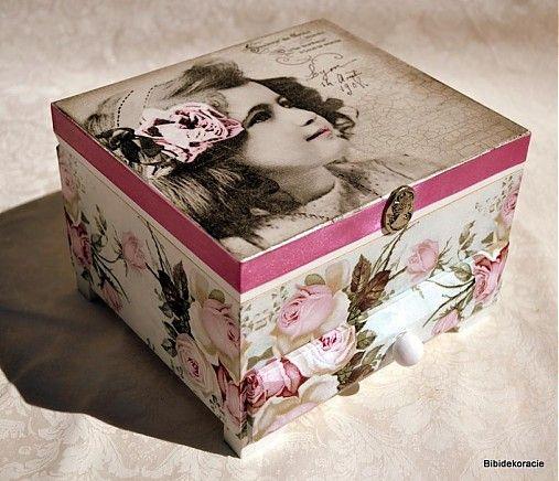Dievčatko z Lyonu / Pupavkashop - SAShE.sk - Handmade Krabičky