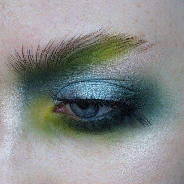 "1,030 Likes, 16 Comments - Sara Engel (@thesaraengel) on Instagram: ""G R E E N   Eyes: @katvondbeauty Metal Matte palette + @viseart Editorial Brights palette   Brows:…"""