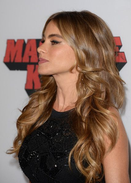 More Pics of Sofia Vergara Long Curls | Hair. | Pinterest | Sofia vergara hair, Hair and Hair beauty