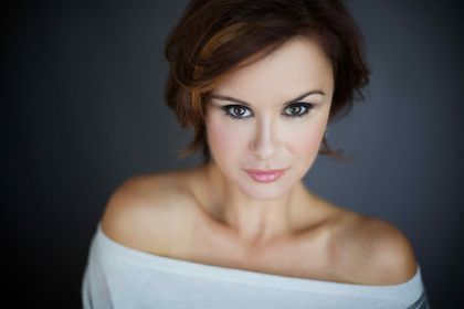 Episode 808 guest star Keegan Connor Tracy from Once Upon A Time! #HLinProd