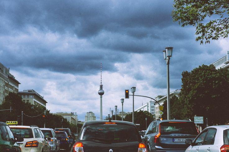 Auf der Frankfurter Allee im Stau (CC BY-NC-ND)