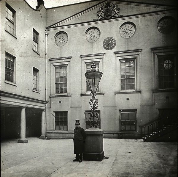 Apothecaries' Hall Quadrangle, c. 1920. spitalfieldslife.com