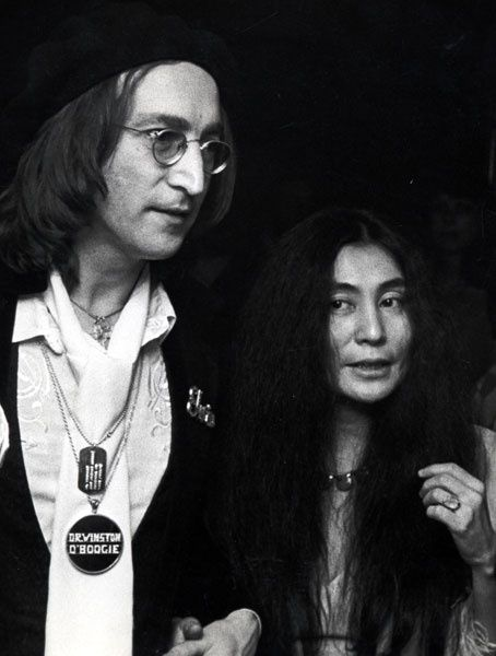 John Lennon and Yoko Ono photographed by Ron Galella.