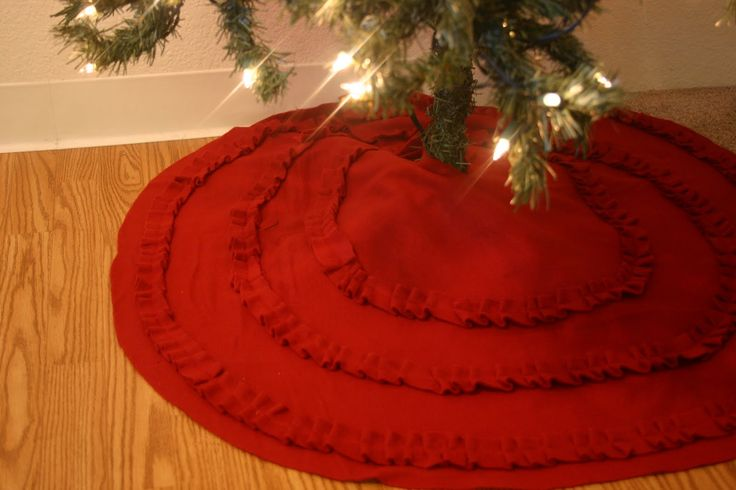 How to make Ruffle Tree Skirt from a Fleece Blanket
