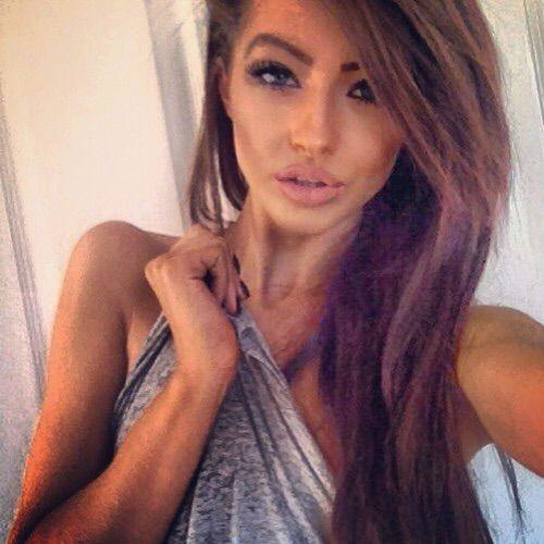 Image via We Heart It #beautiful #blueeyes #brunette #eyes #girl #hair #inspo #makeup #nails