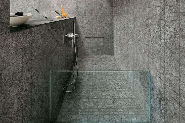 Πλακάκια σε αποτύπωση πέτρας. Μια αυστηρή αλλά διαχρονική επιλογή για το μπάνιο σας. #kypriotis #plakakia #anakainisi #mpanio #dapedo