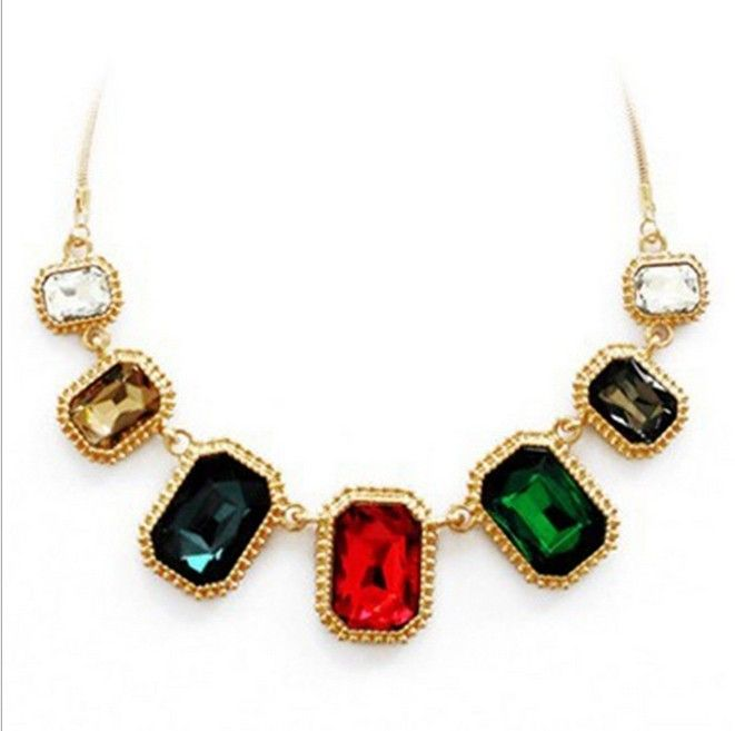 Trendy Brand Zinc Alloy Colorful Crystal trendy Gold Link Chain Female Short Pendant Wedding Necklaces For Women
