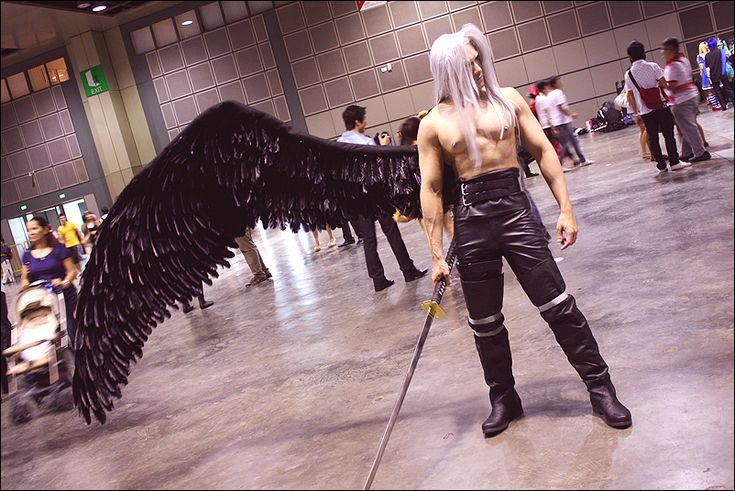 Epic Sephiroth from Final Fantasy VII and not a single person is looking at him. ~ But I am.