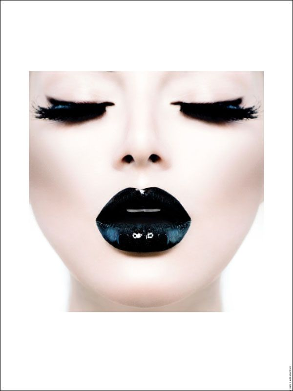 Poster - Black Lady 50x70 cm från www.room99.se