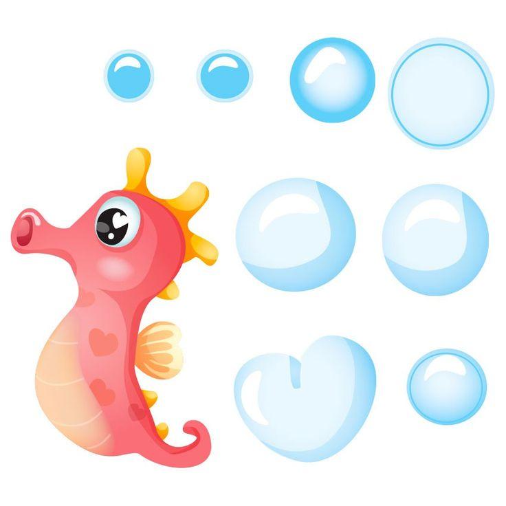 Silo le petit hippocampe adore nager aux côtés de la sirène Ambre. Avec elle, il s'amuse beaucoup et découvre de nombreux endroits merveilleux. Inventez votre histoire sur les murs de vos enfants grâce à ce sticker hippocampe et ses nombreuses bulles. Chaque motif de cette planche peut être posé individuellement afin de satisfaire toutes les envies déco. Ces stickers existent en 3 formats.