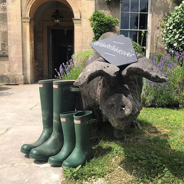 Happy Glastonbury! We're under an hour away from one of the best festivals in the world 🎶 and there's a #glastotakeover at THE PIG-near Bath! #somerset #piggythings