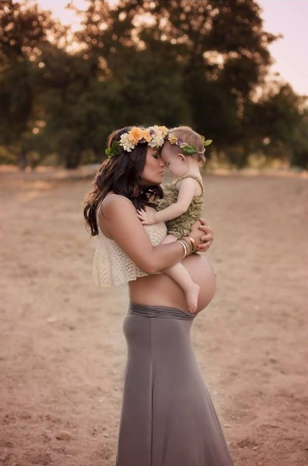 Pregnant mom and little girl #Pregnancy #Baby