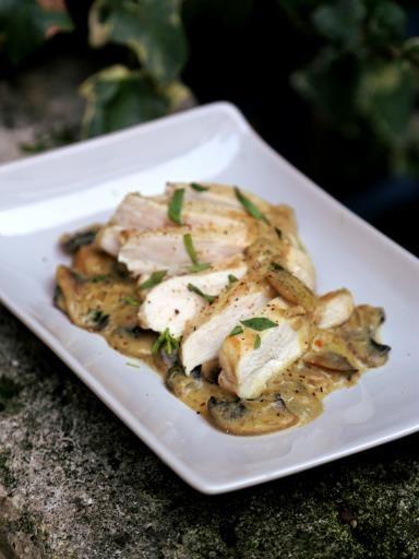 moutarde, poivre, blanc de poulet, échalote, champignon de Paris, estragon, cube de bouillon, huile d'olive, sel, crème fraîche allégée