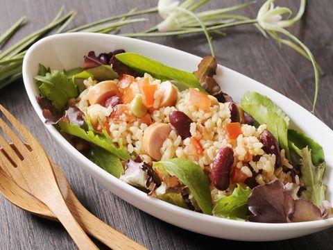 トマトと豆の玄米クスクス風サラダ  http://www.yamasa.com/recipes/1441/